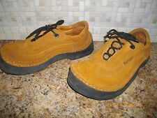 MENS OR WOMENS BETULA SHOES SIZE 7 FOR LADIES AND SIZE 5 FOR MEN BROWN TIE SHOES