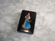 Petite BOITE RUSSE en LAQUE Peinte signée - Russian hand painted lacquer BOX