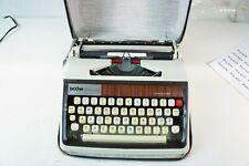 Brother Deluxe 1300 Schreibmaschine Reiseschreibmaschine Patina Vintage Pro-618