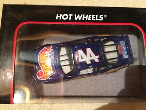 HOT WHEELS Petty Enterprises Pontiac Grand Prix Kyle Petty #44 1:43 NIB