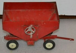 Vintage 1970 Ertl 1:16 International Gravity Wagon w/Gear Operated Door