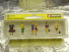 ** Noch 15518 Shoppers (6 pieces) and Dog Figure Set 1:87 HO Scale