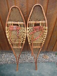 """BEAUTIFUL VERY OLD VINTAGE Snowshoes 42"""" Long x 10"""" Wide with Leather Bindings"""