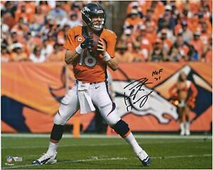 """Peyton Manning Denver Broncos Signed 16"""" x 20"""" Action Photo with """"HOF 21"""" Insc"""