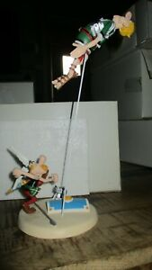 Astérix&Obélix-Scène Astérix boxe le Romain-26 cm-Résine Polychrome-2001