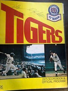 MLB BASEBALL DETROIT TIGERS MILWAUKEE SCOREBOOK + SIGNATURES 1975 EXCELLENT CON