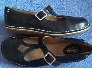 Clarks soft black leather Artisan Tustin Talent low buckled Mary Jane shoes 4 37