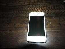 Apple iPod Touch 4th Gen 16GB White No charger