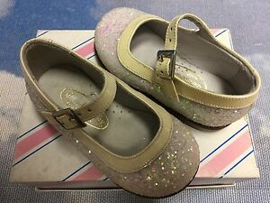 Italy Shoe Be Baby Beige Glitter Buckle Strap Dress Shoes Size 20 /US Toddler 5