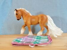 Breyer Christmas horse 2020, palomino shire with rug