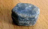 zafiro en bruto, 5,6 grs - héxagono azul