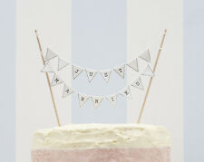 VINTAGE STYLE MINI CAKE BUNTING JUST MARRIED, WHITE WEDDING CAKE DECORATION