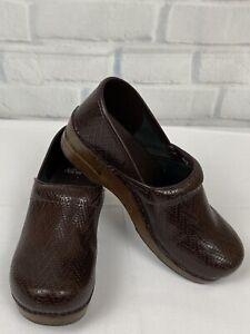 Dansko Women's Burgundy Leather Nursing Clogs Shoes Size US 10.5  EU 41