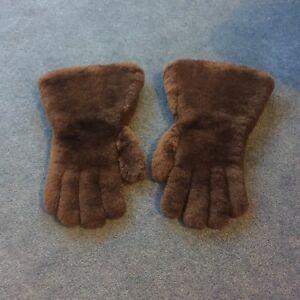 Vintage Bear Hands