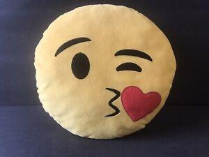Emogi Winking Kissing Pillow