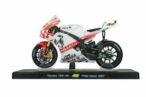 VALENTINO ROSSI Yamaha YZR-M1 2007 MotoGP Bike - Collectable Model - 1:18 Scale