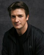 Fillion, Nathan [Castle] (41379) 8x10 Photo