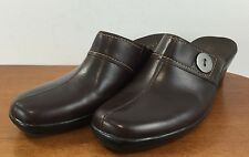 CLARKS Womens Sz 9M Brown LEATHER MULES Slip On CLASSIC COMFORT Shoes SIZE 9M