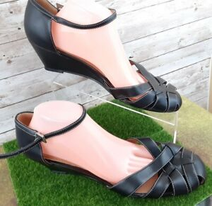 Predictions Women's Mary Jane Round Toe Shoes Size 13M Black Buckle