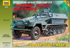 ZVEZDA 3572 GERMAN PERSONNEL CARRIER SD.KFZ.251/1 AUSF.B WWII MODEL KIT 1/35 NEW