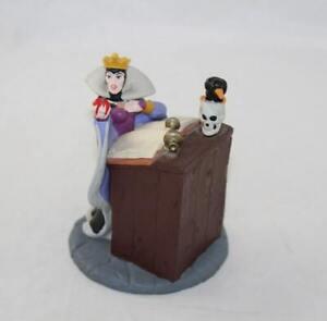 Figurine Evil Queen DISNEY STORE Classics Blanche-Neige et les 7 nains méchante