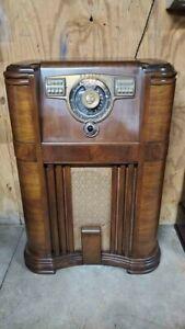 1942 Zenith Floor Console Radio