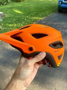 Giro Montaro MIPS Cycling Helmet - Medium (55-59 cm) - Matte Orange