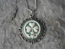 IRISH CLADDAGH FOUR LEAF CLOVER SHAMROCK CAMEO NECKLACE - ST. PATRICK'S DAY -gr3