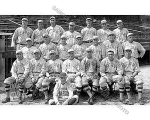 1918 CHICAGO CUBS NLCS CHAMPIONS WORLD SERIES 8X10 TEAM PHOTO