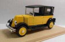 Voitures, camions et fourgons miniatures orange en résine 1:43
