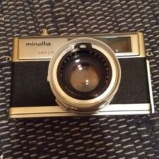 VINTAGE 1960s MINOLTA HI MATIC 9 EASY FLASH CAMERA WITH CASE  FOR DISPLAY