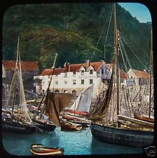 Glass Magic Lantern Slide CLOVELLY FISHING BOATS & RED LION HOTEL C1890 DEVON