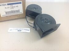 2005-2007 Ford Freestyle Five Hundred High and Low Pitch HORN Assembly OEM New