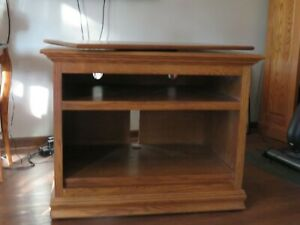 OAK AMISH TV CABINET WITH SHELVES AND SWIVEL TOP   PICK-UP ONLY!!