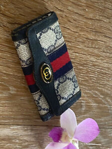Authentic Vintage Gucci Sherry Line Blue Leather Key Case🌺