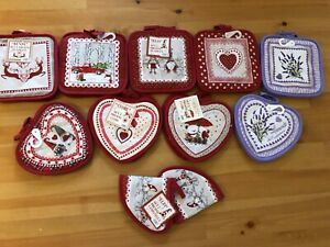 Quilted cotton pot holders, pack of two,Christmas patterns available!