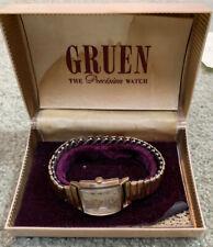 Beautiful GRUEN VERI-THIN Tank Style SWISS 17 Jewels Men's Wrist Watch + Case