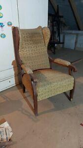 2552- Biedermeier Ohrenbacken Sessel mit Liegefunktion Rücklehne