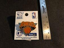 New York Knicks Lapel Pin - New - NBA Licensed