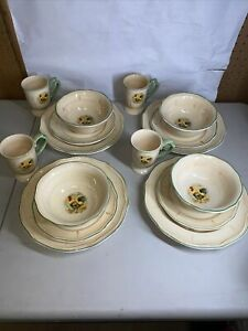 Gibson Royal Rooster 16-Piece Fine China Dinnerware  full Set for 4