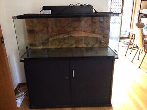 Complete Set Up Turtle tank/ Aquarium OVER $1000 WORTH OF EQUIPMENT