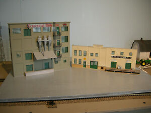 HO Scale Walthers Arrowhead Ale & Centennial Mills Background Buildings Built Up