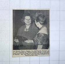 1960 Mrs Joan Ware Receiving Prize For Macaulay Players Clapham , Beryl Reid