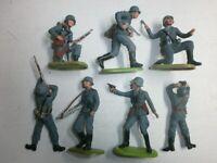 Konvolut 7 alte Elastolin Kunststoff Soldaten zu 7.5cm 2.WK Kampfgruppe