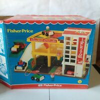 FISHER PRICE GARAGE 930 1970s 1980s 1981 RELEASE COMPLETE BOX