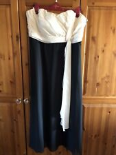 LADIES CREAM AND BLACK STRAPLESS EVENING GOWN SIZE 20 PETITE