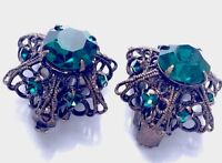 VINTAGE FOIL BACKED EMERALD PASTE FILIGREE CLIP ON EARRINGS gift Boxed