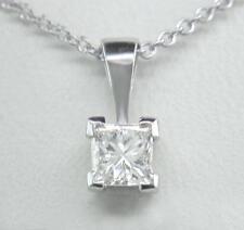 0.20ct Ciondolo a forma di diamante solitario platino taglio Princess certificata D se con catena