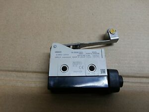 2 X OMRON D4MC-2000 Limit Switch