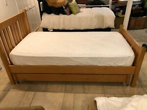 1 SCOTT JORDAN TWIN SIZE BED with trundle Bed and a mattress